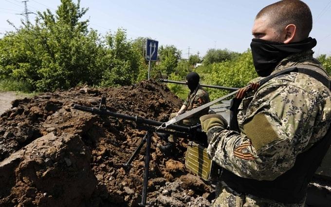 Аж пересмикнуло: мережу розбурхало фото російського військового біля кордону України