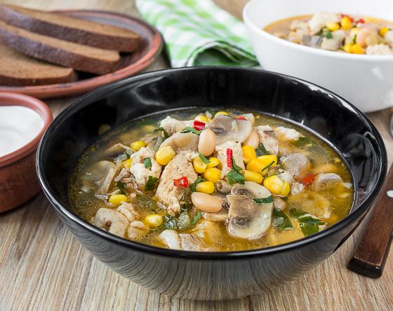 Рецепт на вихідні: чилі-суп з курки з грибами (6 фото)