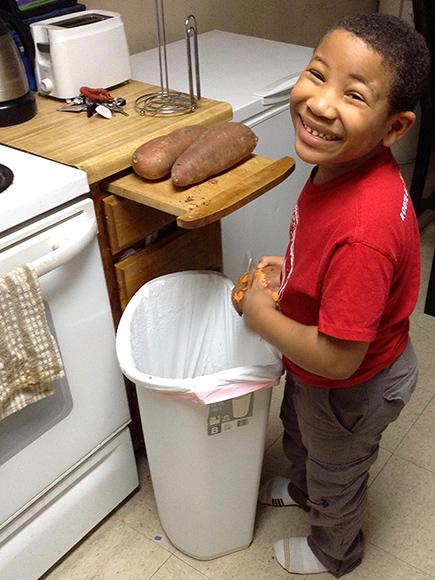 Восьмирічний хлопчик відкрив пекарню, щоб купити будинок мамі: опубліковані фото (1)