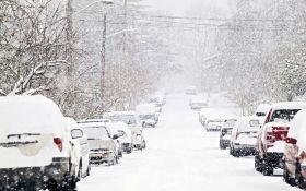 Снігопад в Україні: з'явилися нові фото, відео та повідомлення про проблеми