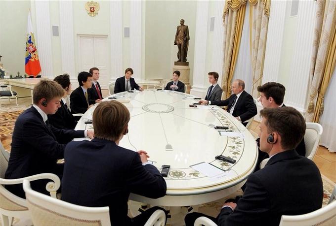 Візит британських студентів до Путіна: з'явилися несподівані подробиці, соцмережі збуджені (3)