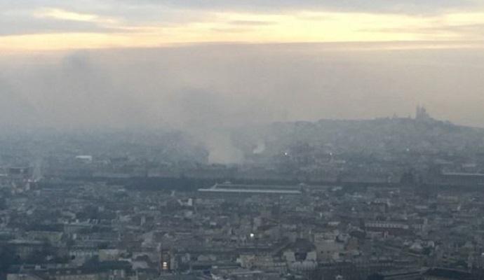 Верхний этаж знаменитого отеля Ritz в Париже охватил огонь