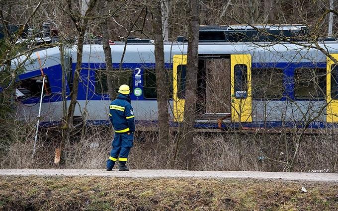 В Нидерландах сошел с рельсов пассажирский поезд: есть жертвы