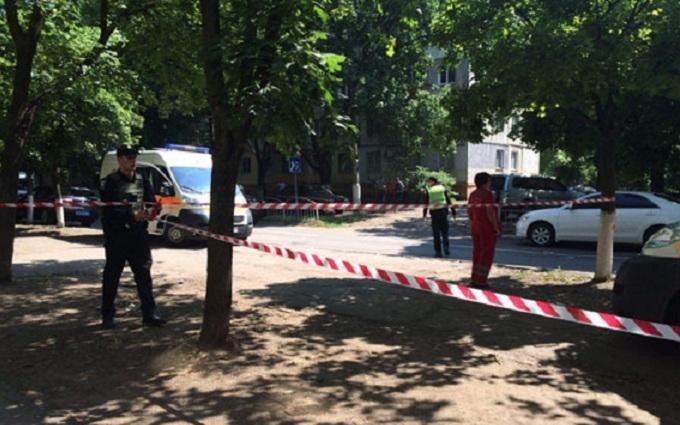 У Маріуполі розгорілася перестрілка, поранений поліцейський: опубліковані фото