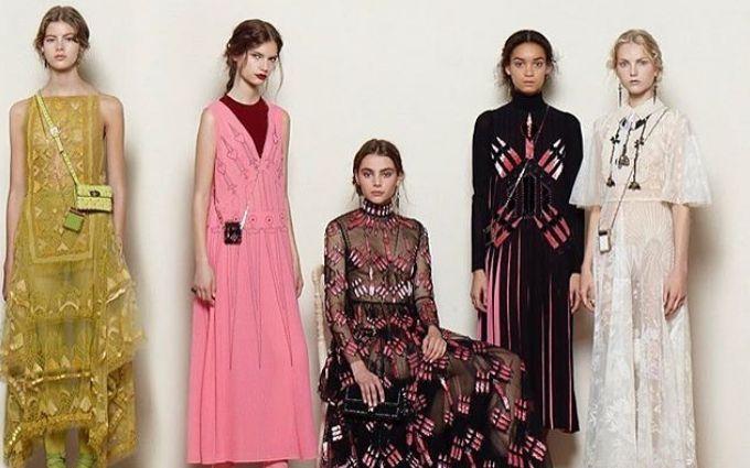 Тиждень моди в Парижі: з'явилися фото казкової і сміливої колекції Valentino