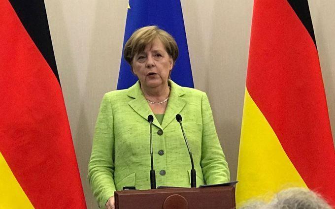 Путин иМеркель проводят переговоры вСочи