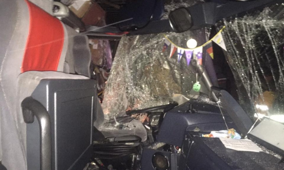 В рубашке родились: автобус с туристами попал в ДТП под Львовом, появились впечатляющие фото (1)