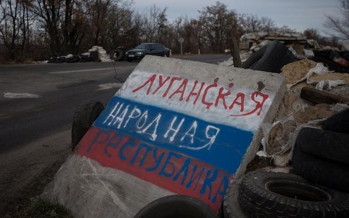 Обіцяли світле майбутнє, а тепер грошей немає: очевидець згадав захоплення Луганська ЛНР