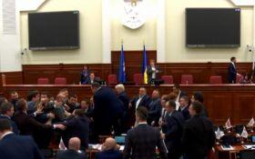 Бійка депутатів у Київраді: з'явилося відео інциденту