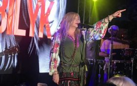 Драка полиции и активистов: в Одессе состоялось выступление Ирины Билык