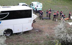 В Турции произошла еще одна крупная авария с пассажирским автобусом: появились фото
