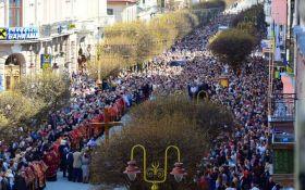 На Прикарпатті пройшов масштабна хресна хода за перемогу і світ: з'явилися вражаючі фото та відео