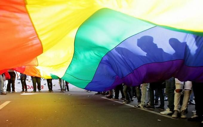Уполномоченный Кадырова разъяснил, почему вЧечне неубивают геев