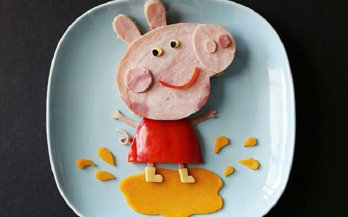 Мама создает для детей шедевры в тарелке: яркие фото