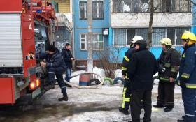 Мощный пожар вспыхнул в многоэтажке в Днепре: опубликованы фото