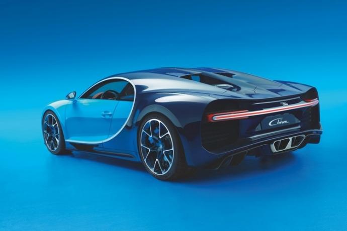 Представлена замена Bugatti Veyron (2)