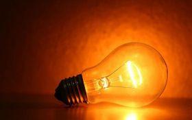 Из-за непогоды в Украине 71 населенный пункт остается без света