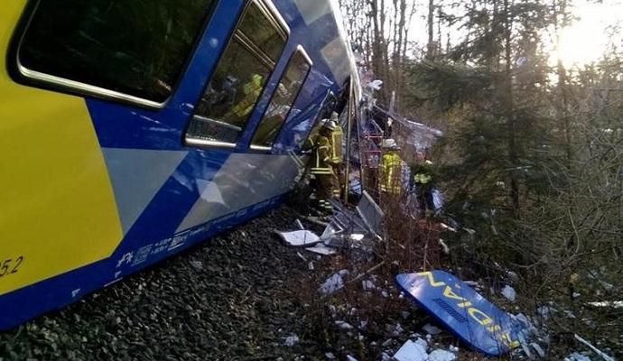 Среди пострадавших в столкновении поездов в Германии украинцев нет - МИД