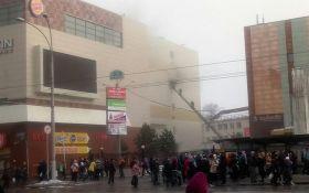 В России загорелся крупный торговый центр, погибли дети: появилось жуткое видео