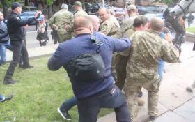 Опитування дня: Хто має відповісти за масову бійку у Дніпрі 9 травня?