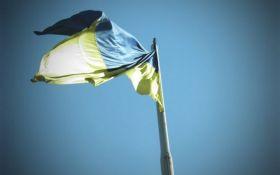 Жителі окупованого села на Донбасі виганяють терористів