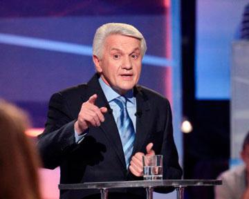 Литвин будет заводить своих в Раду через мажоритарку