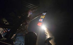 США відповіли на хіматаку в Сирії ракетним ударом по авіабазі Асада: з'явилися фото і відео