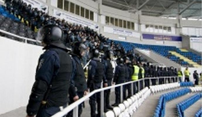 Полиция снова будет охранять футбольные стадионы