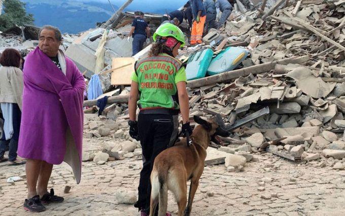 Землетрус в Італії: мережу вразила історія про порятунок дитини сестрою