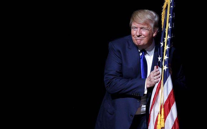 Конгрессмен призвал начать процедуру импичмента вотношении Трампа