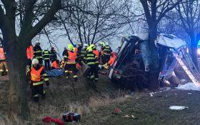В Праге произошло серьезное ДТП, есть погибшие и десятки пострадавших: опубликовано видео