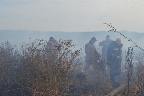 У Київській області горить 15 га торфовищ (6 фото) (4)