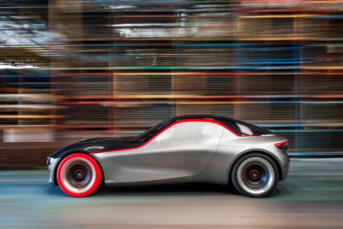 Opel показал прототип маленького заднеприводного купе (7 фото) (1)