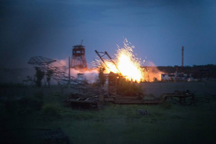 В мережі з'явилися вражаючі фото обстрілу шахти