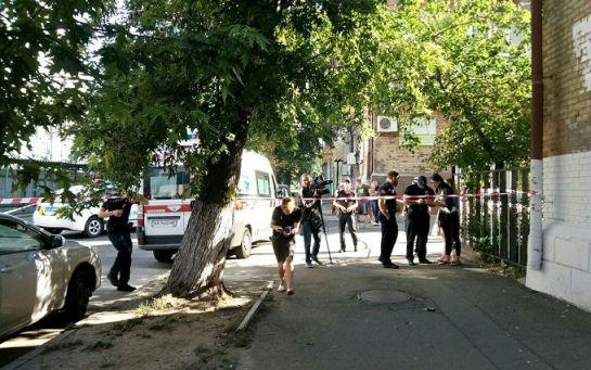 У Києві невідомі в медичних масках стріляли в чоловіка: опубліковані фото