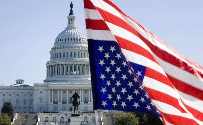 """В Сенате США требуют ввести санкции против """"друзей"""" Путина"""