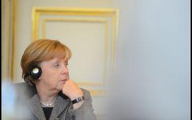 Щедра душа: Трамп жбурляв Меркель цукерки на саміті G7