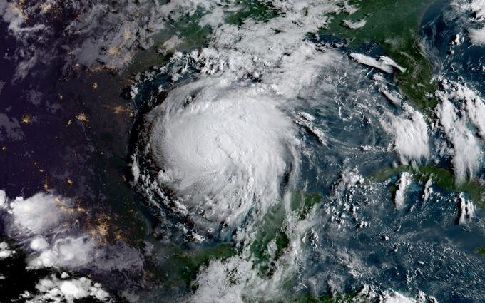 На США насувається новий руйнівний ураган з'явилося відео