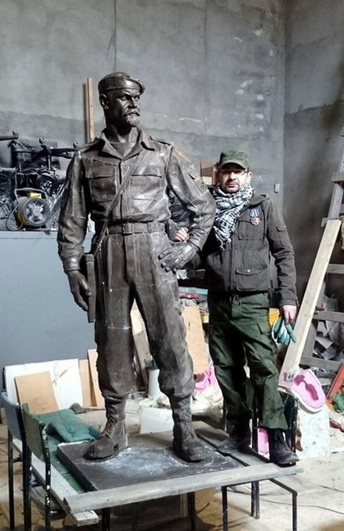 У бойовиків ЛНР вийшла сварка через пам'ятник ватажкові: опубліковані фото (1)