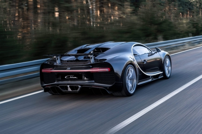 Представлена замена Bugatti Veyron (7)