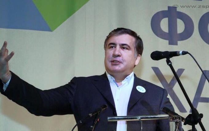 Саакашвили загадал фотозагадку о том, как служил в армии