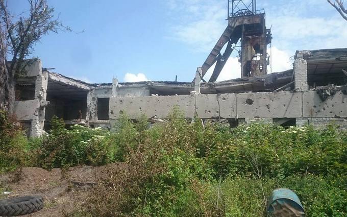 На Донбасі від обстрілів обвалилася шахта: фото і нові подробиці боїв
