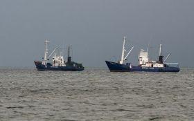 Российские пограничники задержали еще одно судно в Азовском море