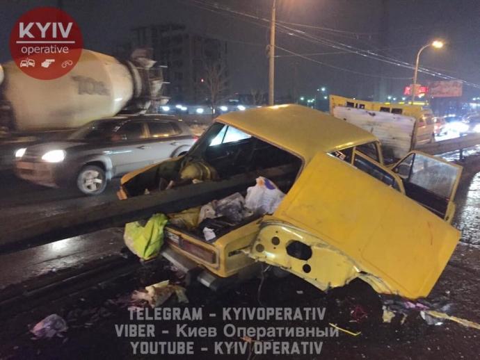 У Києві сталося страшна ДТП: з'явилися фото (1)