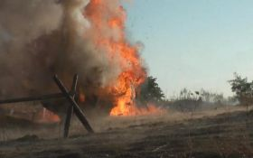 Точный удар ВСУ: в сети показали зрелищное видео полного уничтожения позиции боевиков на Донбассе