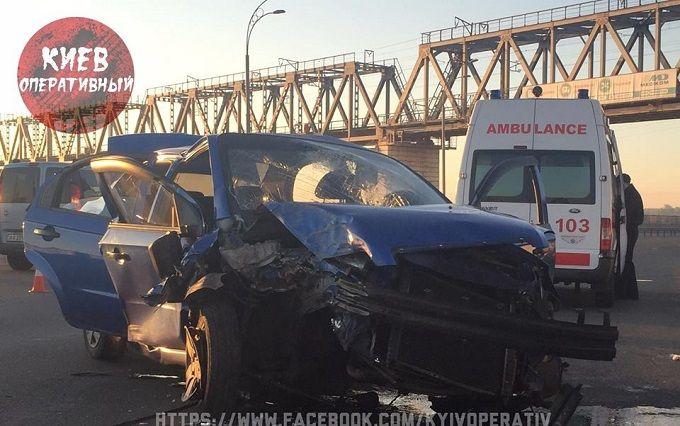 У Києві таксист, що заснув, улаштував смертельне ДТП: з'явилися фото