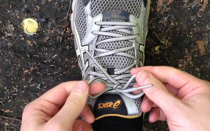 Чому розв'язуються шнурки: вчені провели дослідження
