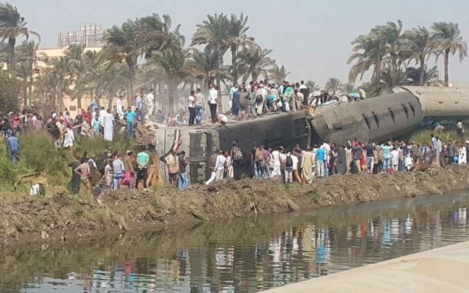 У Єгипті сталася масштабна катастрофа з поїздом, багато загиблих: з'явилися фото (1)