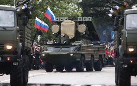 З танками і радянськими піснями: мережа шокована репетицією параду в Криму