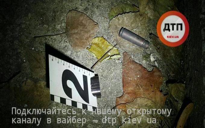 Стрельба вКиеве: Нападавший добивался отдать ему деньги